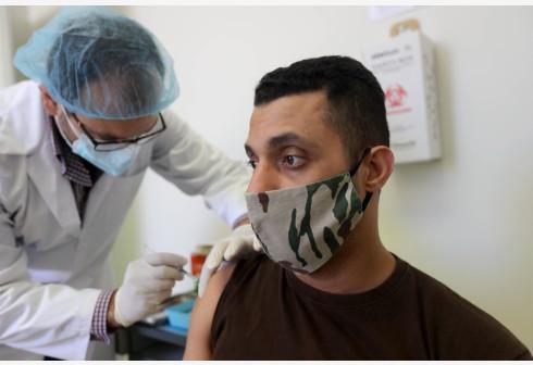 黎巴嫩安全部队官兵接种中国新冠疫苗