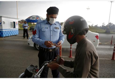 巴基斯坦饭店遭恐袭后加强安全警戒