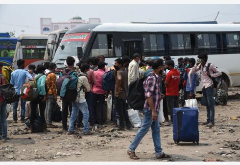 疫情冲击下的印度